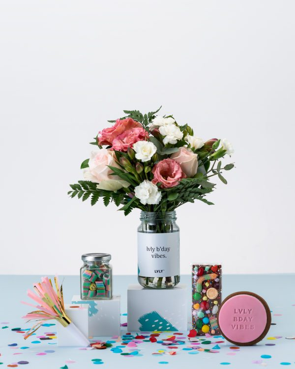 LVLY Flowers, Chocolate, Candy & Quote Cookie